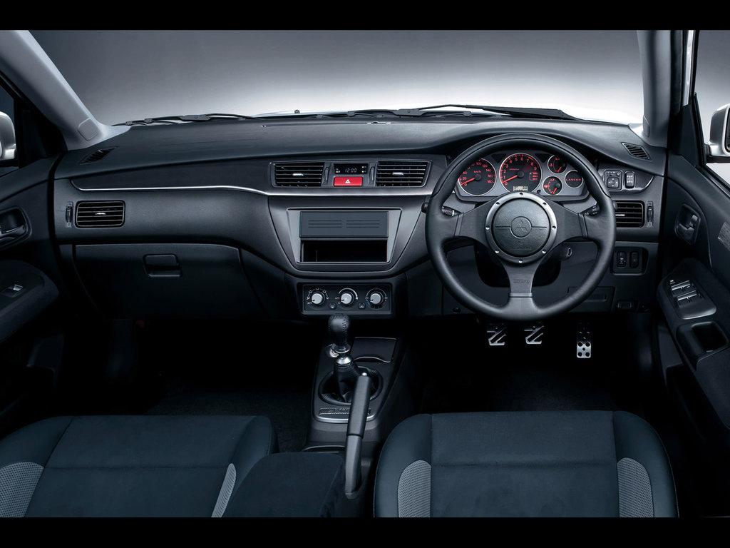 Похожие фото Mitsubishi Lancer 2…